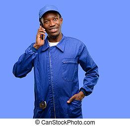 vízvezeték szerelő, smartphone, beszéd, mobile telefon, fekete, afrikai, használ, boldog, ember