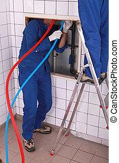 vízvezeték szerelő, szerszám