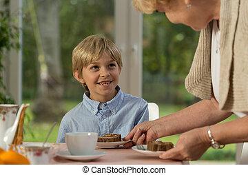 vó, bolo, servindo, caseiro