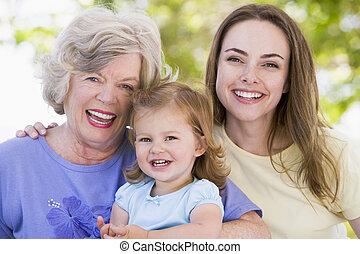 vó, com, adulto, filha, e, neto, parque