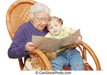 vó, lê, para, a, neta, em, um, poltrona