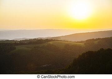 východ slunce, od hora