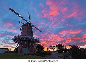 východ slunce, větrný mlýn