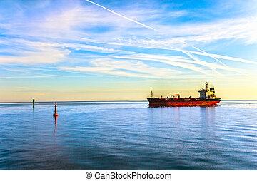 výkonný cisternová loď, dopravovat