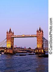 vě lávka, do, londýn, v, soumrak