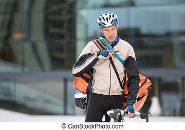 va bicyclette courrier, jeune, livraison, utilisation, talkie-walkie, homme