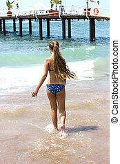 va, magro, capelli lunghi, mare, ragazza, spiaggia, sabbioso