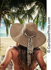 vacaciones del verano, mujer, en, playa
