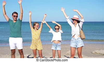 vacances famille, jeune, plage, été