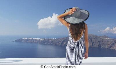 vacances, luxe, santorini, voyage, femme regarde