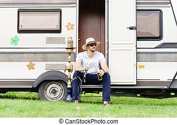 vacances, voyage, vacances, jeune, hookah, fumer, hipster, outdoors., concept., beau