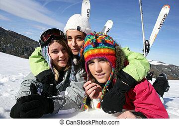 vacanza, amici, insieme, sciare