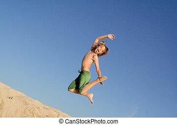 vacanza estate, saltare, capretto, vacanza, spiaggia, o, felice