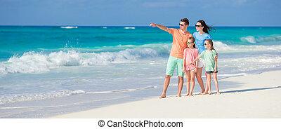 vacanza spiaggia, famiglia