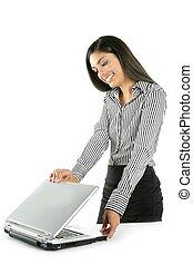 vacker, affärskvinna, laptop, indisk, brunett