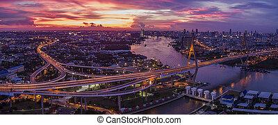 vacker, antennen beskådar, av, bangkok, dramatisk himmel, hos, bhumiphol, bro, viktigt, gränsmärke, och, urban, trafik, bangkok, thailand