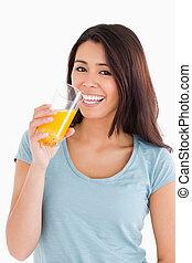 vacker, apelsinsaft, glas, kvinna, drickande