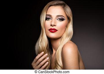 vacker, blondin, modell, flicka, med, länge, lockigt hår, ., frisyr, vågig, lockar, ., röd, lips.