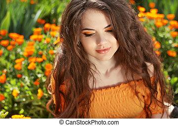 vacker, brunett, hairstyle., skönhet, hälsosam, hair., länge, vågig, portrait., utomhus, woman.