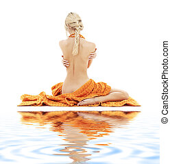 vacker, dam, med, apelsin, handdukar, vita, sand, #2