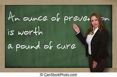 vacker, framgångsrik, kvinna, blackboard, visande, ...