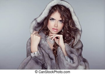 vacker, grå, kvinna, pälsfodra, vinter, snöig, furry, coat.,...