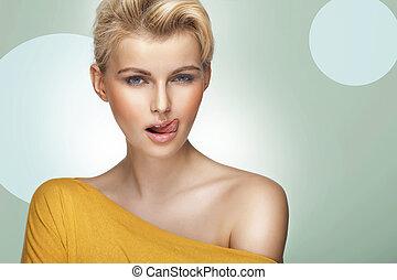 vacker kvinna, blond, hår, ung, nätt