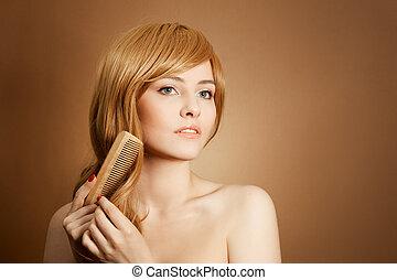 vacker kvinna, kammar, henne, hälsosam, långt hår