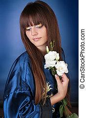 vacker kvinna, med, brun, hälsosam, långt hår