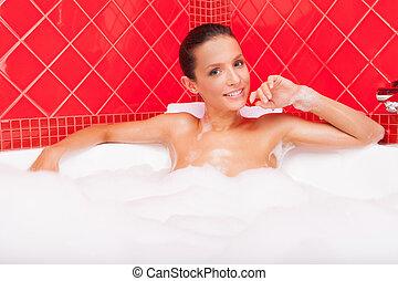 vacker kvinna, skönhet, bath., ung, le, badkar, lögnaktig
