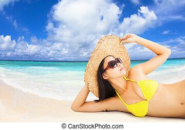 vacker kvinna, ung, bikini, framställ, strand