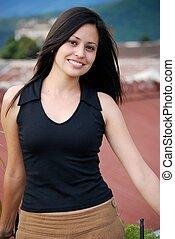 vacker, latinamerikansk kvinna
