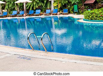 vacker, pool., simning