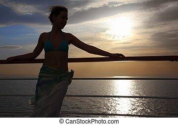 vacker, stående, kvinna, däck, evening., se, away., kryssning skeppa, sunset.