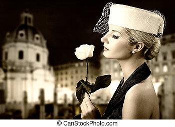 vacker, stående, kvinna, rose., retro, ung