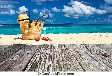vacker, strand, med, väska, hos, seychellerna