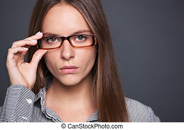 vacker, tillitsfull, kvinna, eyeglasses., stående