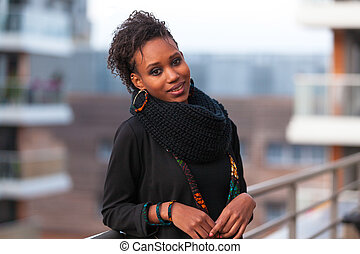 vacker, utomhus, ung, amerikansk kvinna, afrikansk, stående