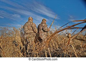 vadászok, noha, fegyverek, előkészítő, helyett, kacsa, vadászat