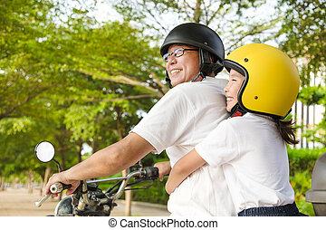 vader, dochter, motorfiets, het reizen