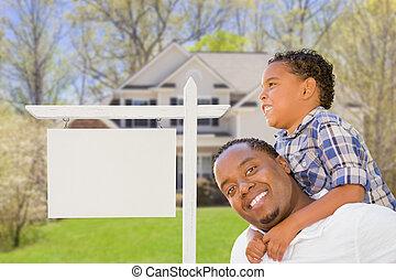 vader en zoon, voor, leeg, vastgoed voorteken, en, woning