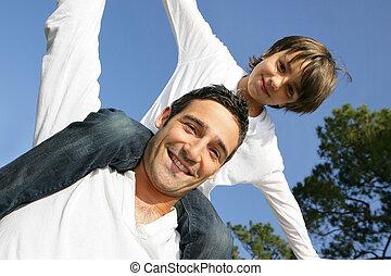 vader, jongen, schouders, zijn