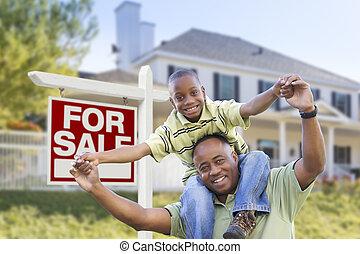 vader, zoon, verkoop teken, amerikaan, afrikaan, thuis