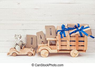 vaders dag, achtergrond, met, houten, auto's, teddy beer, kadootjes, en, karton, letters., vrolijke , vaders dag, concept.