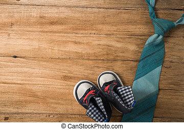 vaders dag, samenstelling, van, kleurrijke, vastknopen, laid, en, baby beslaat, op, houten, achtergrond