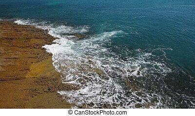 vagues, vidéo, eau, lent, motion., shores., aérien, rocheux, turquoise, sways, mer