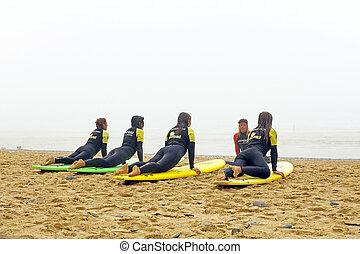 vale, figueiras, portogallo, -, agosto, 9, 2014:, surfers,...