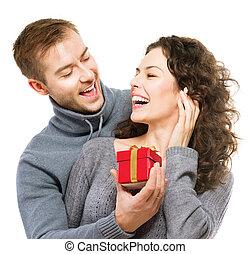 valentine, jeune couple, gift., valentin, jour, présent,...