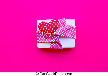 Valentine's day with gift box  on pink background.