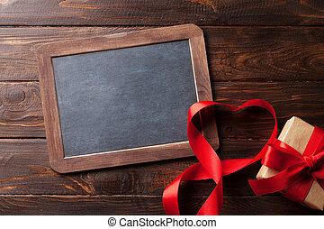 valentinestag, grüßen karte, mit, herz, geschenkband